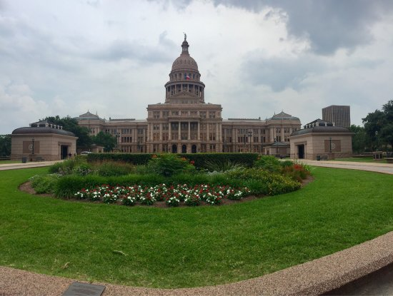 State Capitol: photo2.jpg