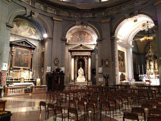 Civico Tempio di San Sebastiano: Nave central.