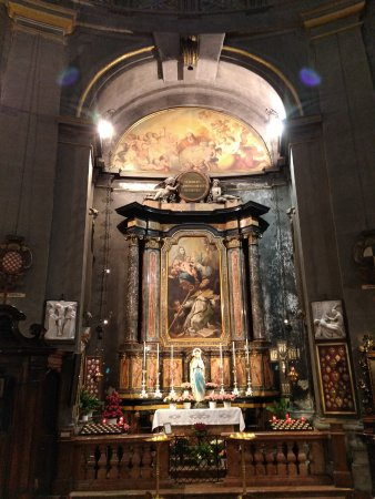 Civico Tempio di San Sebastiano: Altar.