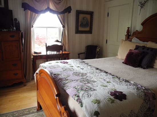 Sleigh Maker Inn Bed & Breakfast : Editors Room