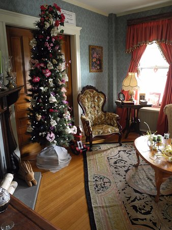 Westborough, MA: Common room. Tree is seasonally decorated.
