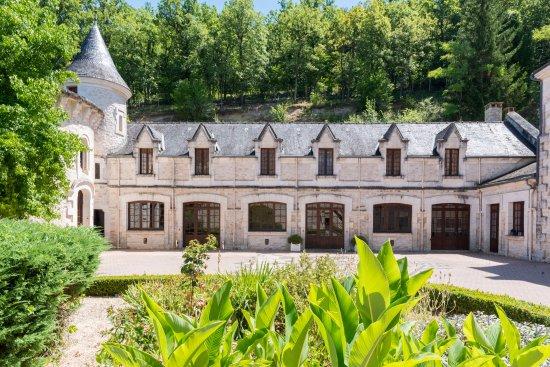 vue sur cour intérieure - Picture of Chateau de la Fleunie, Condat ...