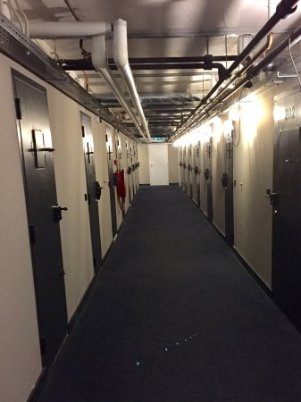Hoorn, The Netherlands: Couloir typique...