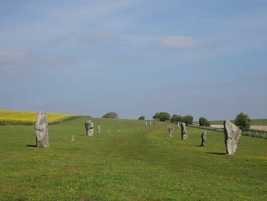 Avebury, UK: West Kennet Avenue leading to Avebury stone circle