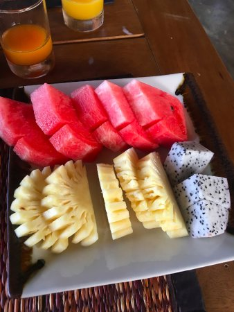 Nautilus Resort: Fresh fruit!