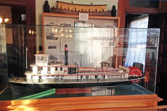 Jeffersonville, IN: Corps of Engineers towboat built by Howard Steamboat Yard