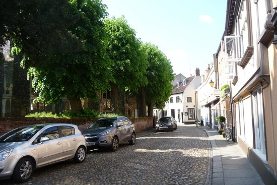 Tombland: Street view