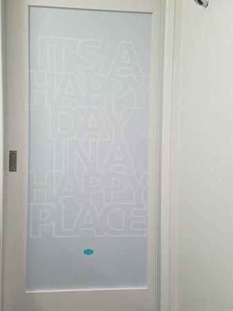 El Reno, OK: Slidding bathroom door