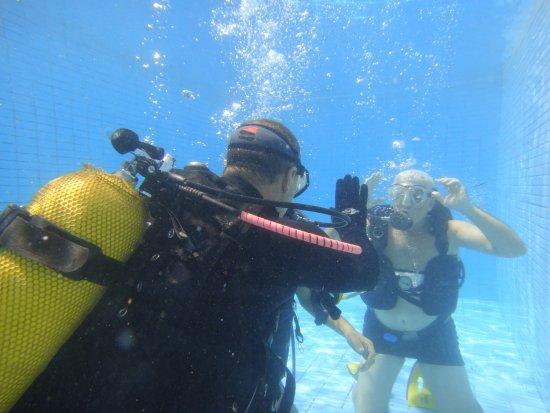 Nova Lima, MG: aula prática - retirando a mascara depois so o mar