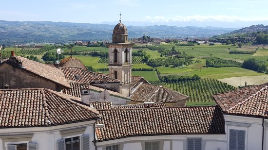 Govone, Italien: Panorama