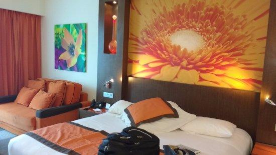 Hotel Riu Plaza Panama: Nos tocó la color naranja