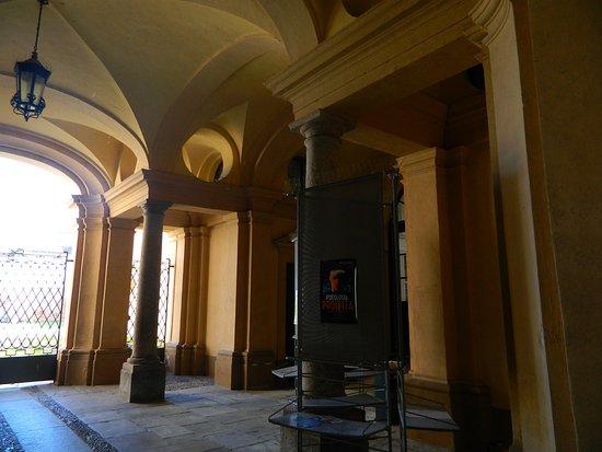 Biblioteca Civica Giovanni Canna