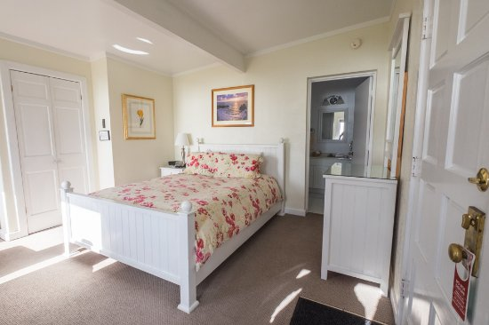 Albion, CA: Bay View Room