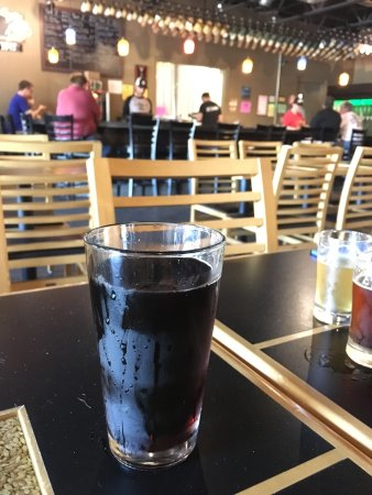 Bridgman, MI: For the DDs and kids: the draft root beer is delicious!