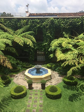 Palacio de Dona Leonor: photo1.jpg