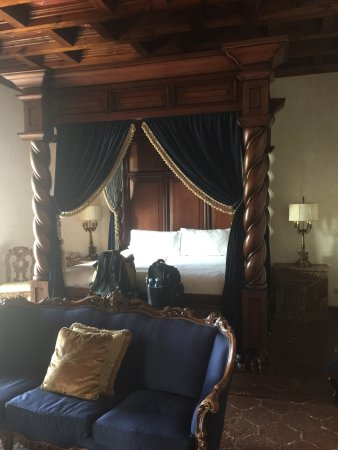 Palacio de Dona Leonor: photo2.jpg