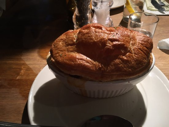 Deddington, UK: Sausage, bacon, and leek pie