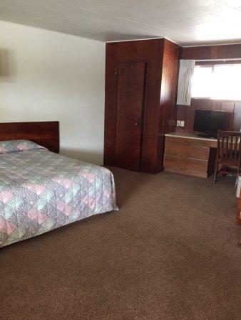 Curly Redwood Lodge: photo0.jpg