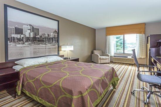 Delavan, WI: New Modern King Size Bed