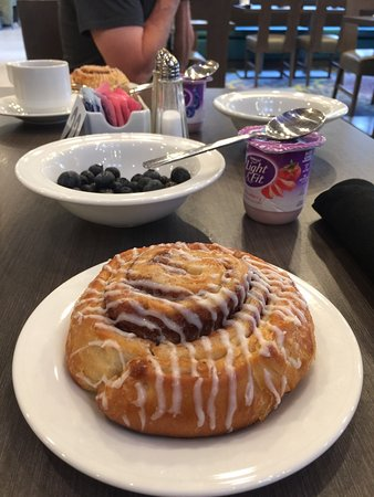 Hilton Garden Inn College Station: Nice place with good breakfasts...