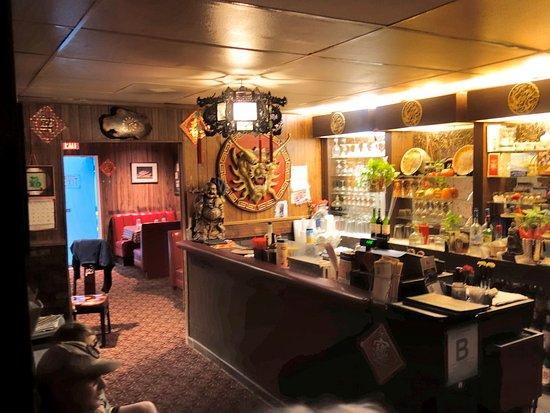 Blue Jay, CA: Full Bar at Mandarin Garden
