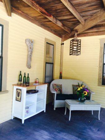 Beechwood Inn: Front Porch