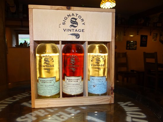 Whitbeck, UK: Signatory 35cl collection