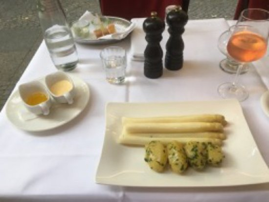 Diekmann : It was still white asparagus season in Germany. The structure of the asparagus was perfect.