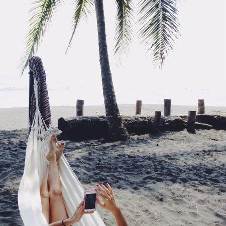 Mawamba Lodge: hamacas al lado de la playa