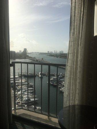 Miami Marriott Biscayne Bay: Room 1104 view of Venetian Causeway (looking east)