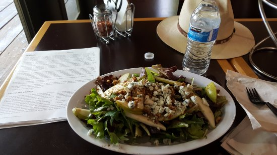 Claremont, Kalifornia: I chose today the pear and gorgonzola salad - scrumptious!