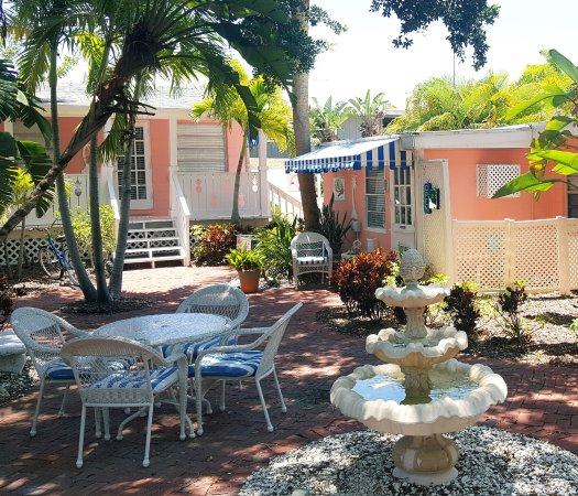 "Siesta Key Bungalows: This is the courtyard. We stayed in the ""Mermaid"" at the top of those little stairs."