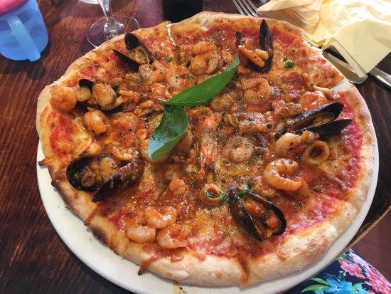 Zafferelli - Naturally Italian.: Seafood pizza