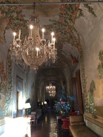 Villa Villoresi: La magia della storia...