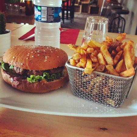 Castelnau-le-Lez, France: burgerstore & pizzateca