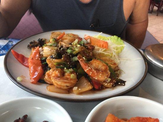 Norfolk Garden: shrimp and scallops dish