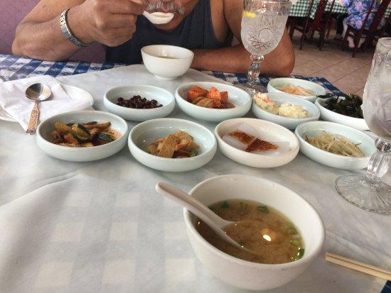 Norfolk Garden: side dish tasters are free