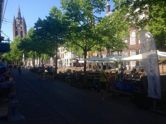 Stads-koffyhuis: Het - drijvend - terras