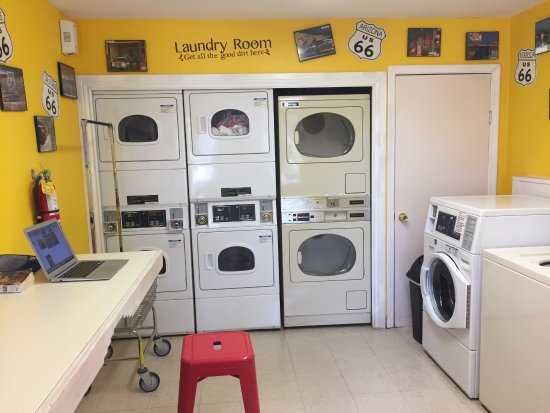 Santa Fe KOA Cabins and Campground: Wonderful laundry facilities