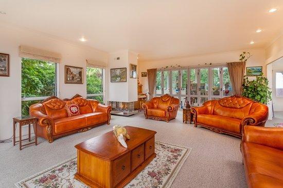 Green Bay Luxury Bed & Breakfast