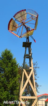 Elk Horn, Айова: Windmill on the grounds