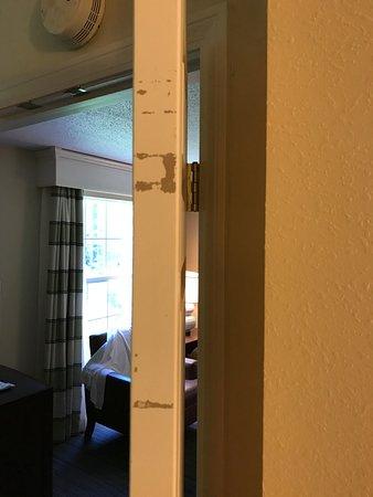 Homewood Suites by Hilton Boston - Billerica : dirty doors