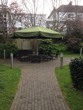 Langton House Hotel: Lots of outdoor seating