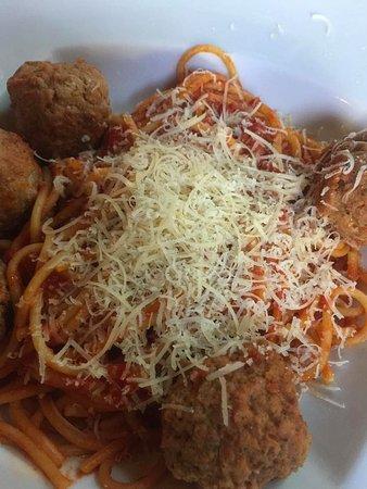 Cafe Aroma : Traditional spaghetti & meatballs
