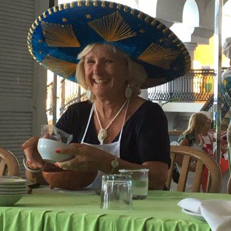 Salsa Mazatlán: Making salsa