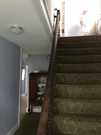 The Gothic Inn: Stairway and hall, second floor. These stairs are steep!