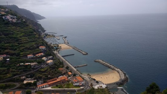 Savoy Calheta Beach: Awesome view from the 'Centro Das Artes'- 25 minutes walk from the hotel.