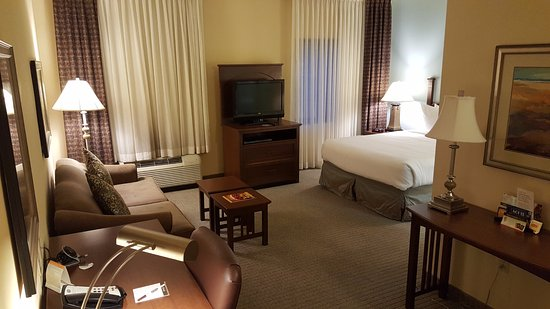 Staybridge Suites Lafayette-Airport: View as you walk in the room (221)