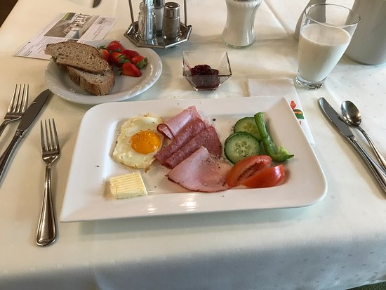 Поллау, Австрия: 조식
