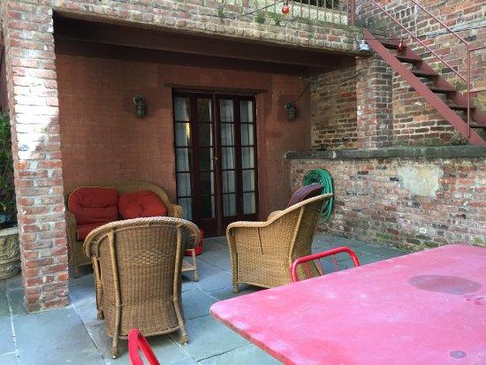 Lafayette House: rear patio